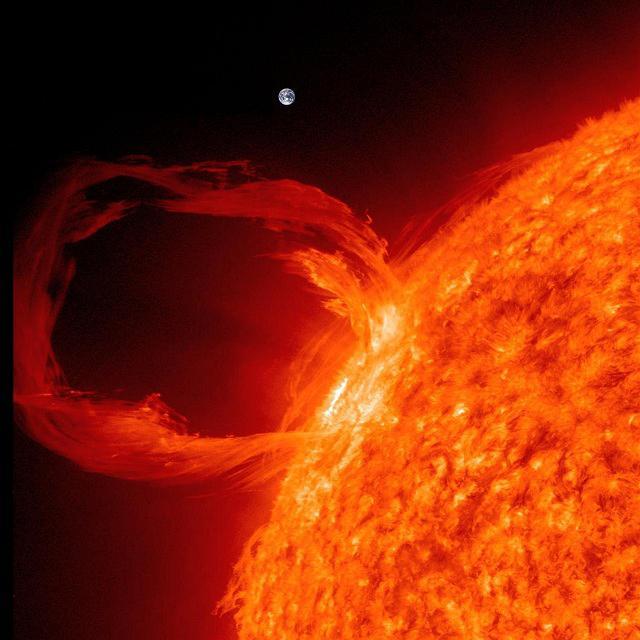 sun_earth_prominence