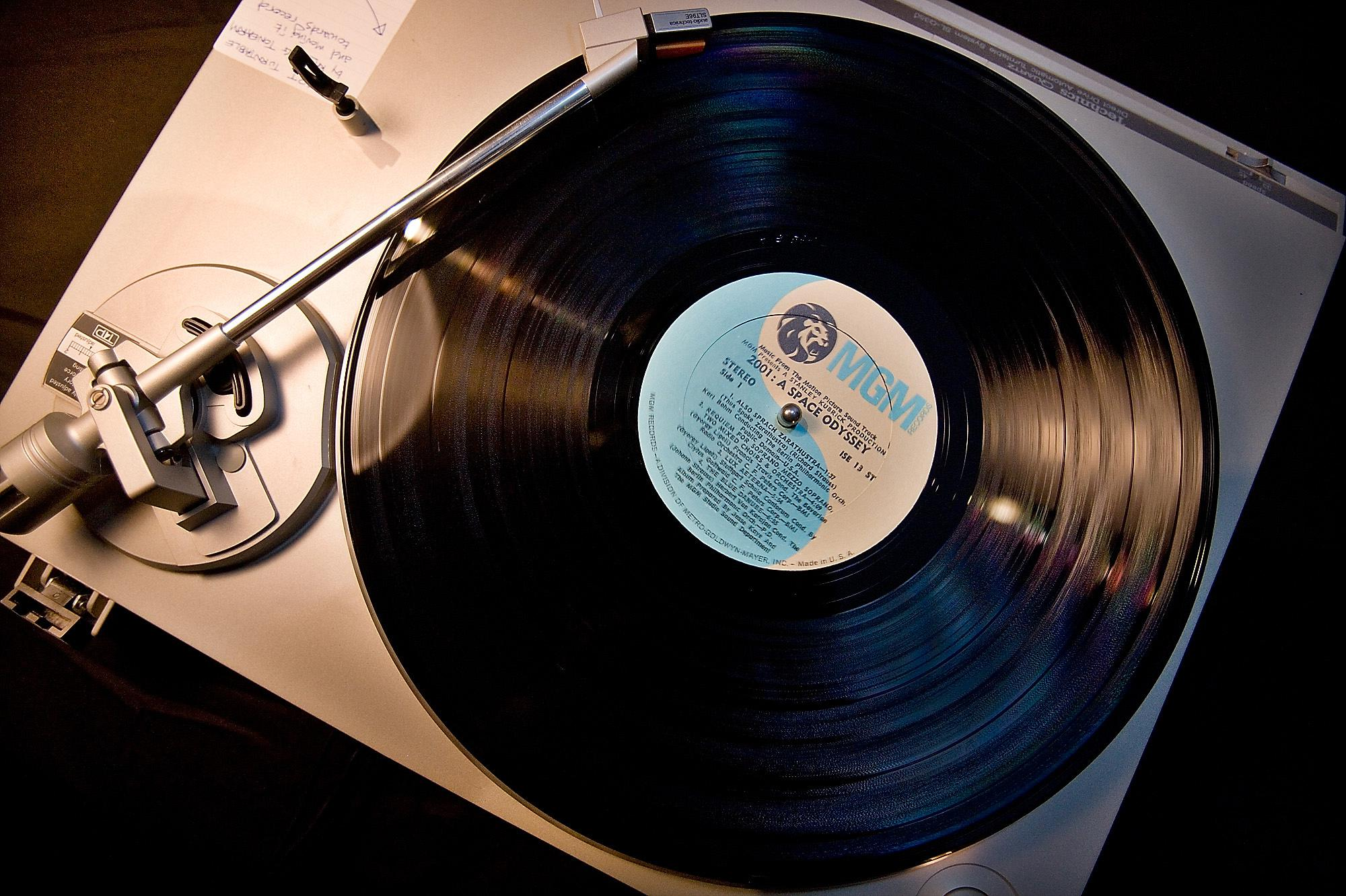 vinyl-2001
