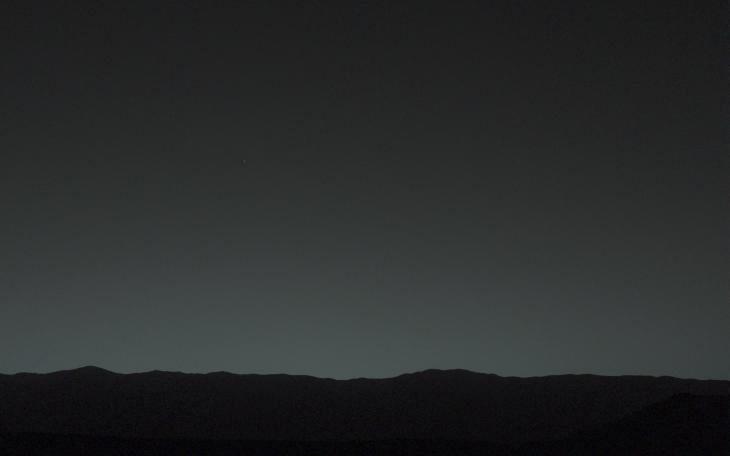 curiosity-blue-pixelated-dot