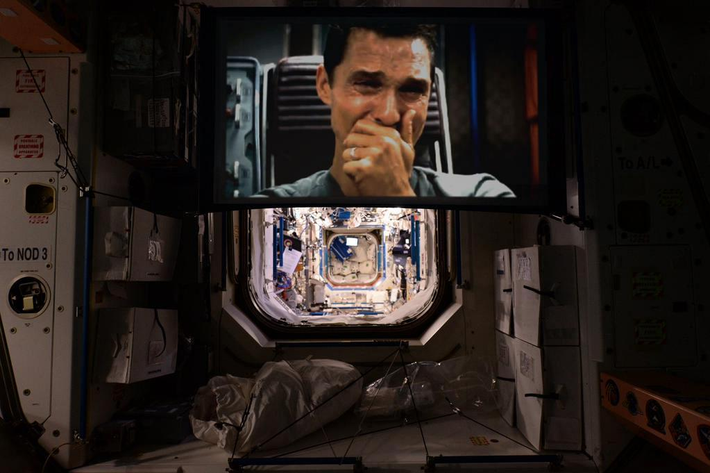 iss-projector-interstellar-photoshop